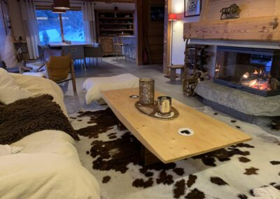 Chalet Ibex - Living-room annd fire place 2nd level